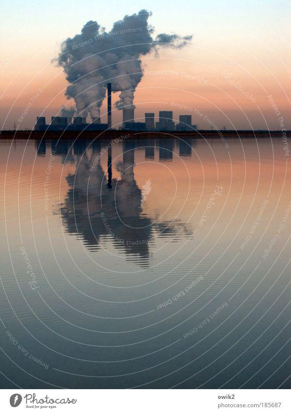 Smouk on se water Wasser Umwelt Landschaft See Bergbau Horizont Silhouette Stromkraftwerke Klima Energiewirtschaft Zukunft Industrie Technik & Technologie Außenaufnahme Seeufer Stress