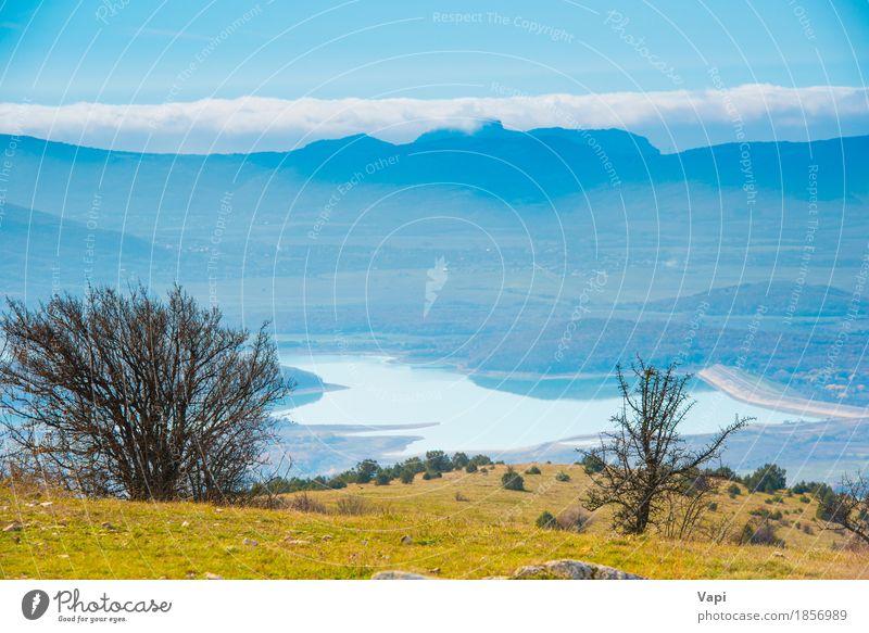 Blaue Berge während des Sonnenuntergangs mit See Himmel Natur Ferien & Urlaub & Reisen blau Sommer grün Wasser weiß Baum Landschaft Wolken Wald Berge u. Gebirge