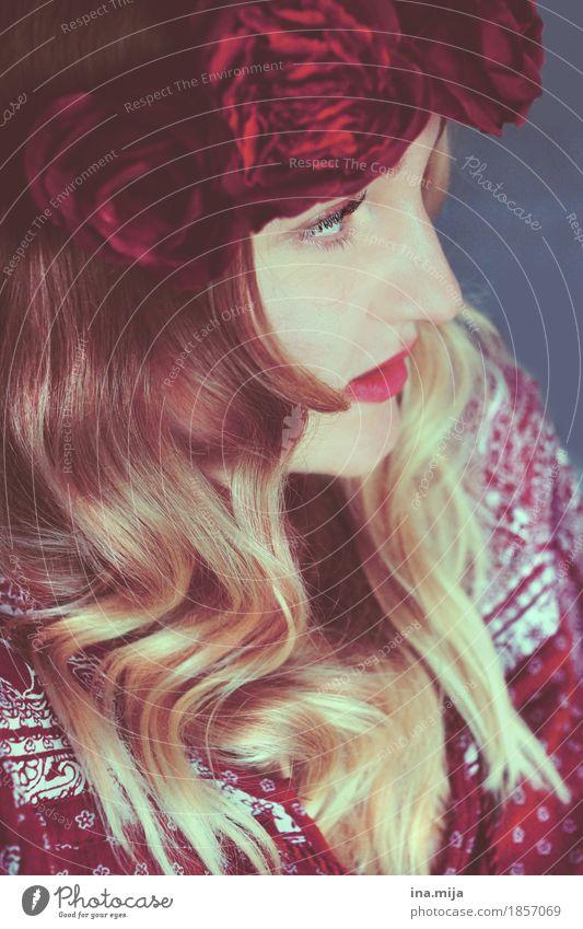 _ Stil schön Student Mensch feminin Junge Frau Jugendliche 1 18-30 Jahre Erwachsene Jugendkultur Mode Bekleidung Accessoire Blumenkranz Haare & Frisuren blond