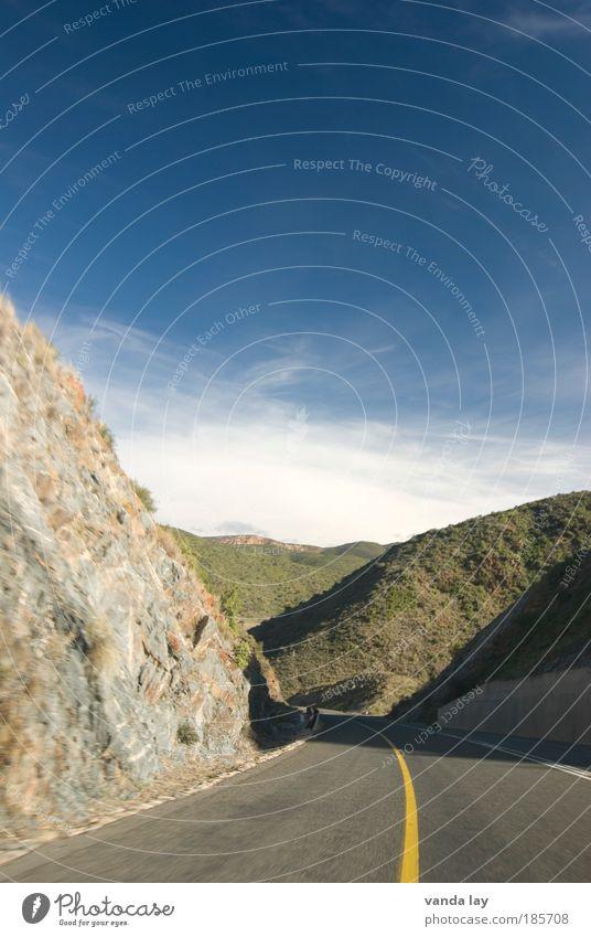 My Way Straße Berge u. Gebirge Freiheit Landschaft Verkehr Felsen Autobahn Verkehrswege Autofahren Südafrika Mittelstreifen