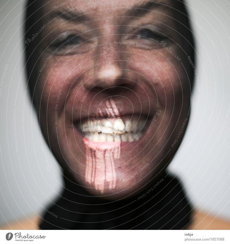 Humor ist... Mensch Frau Freude Gesicht Erwachsene Leben Gefühle lustig Lifestyle lachen Freizeit & Hobby authentisch 45-60 Jahre Fröhlichkeit Maske