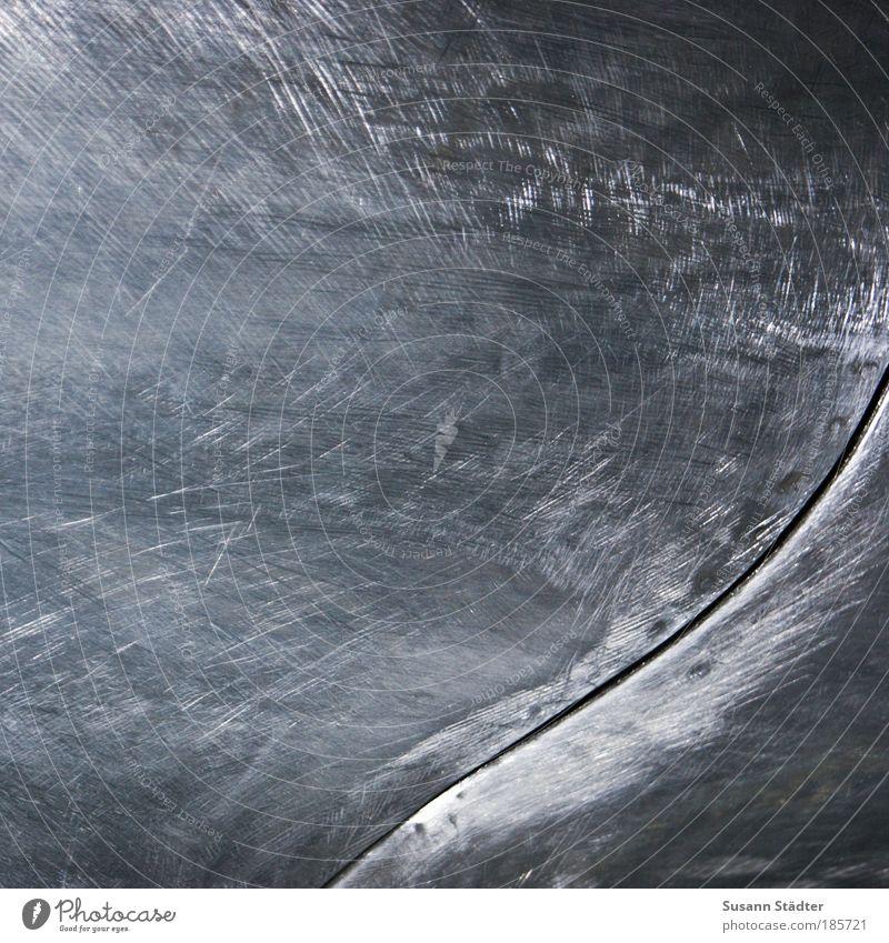 Ritzenflitzer kalt grau PKW Linie Metall historisch Furche Schwung schwungvoll Motorhaube glanzvoll Modellauto Poliert Strukturwandel Oberflächenstruktur