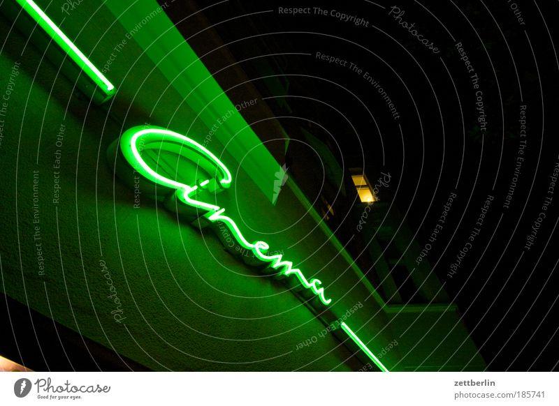 Donnerstag ist Kinotag Filmindustrie Freizeit & Hobby Abend Nacht Kultur Neonlicht Leuchtreklame Werbung Werbebranche Typographie Haus Fassade Erker Licht