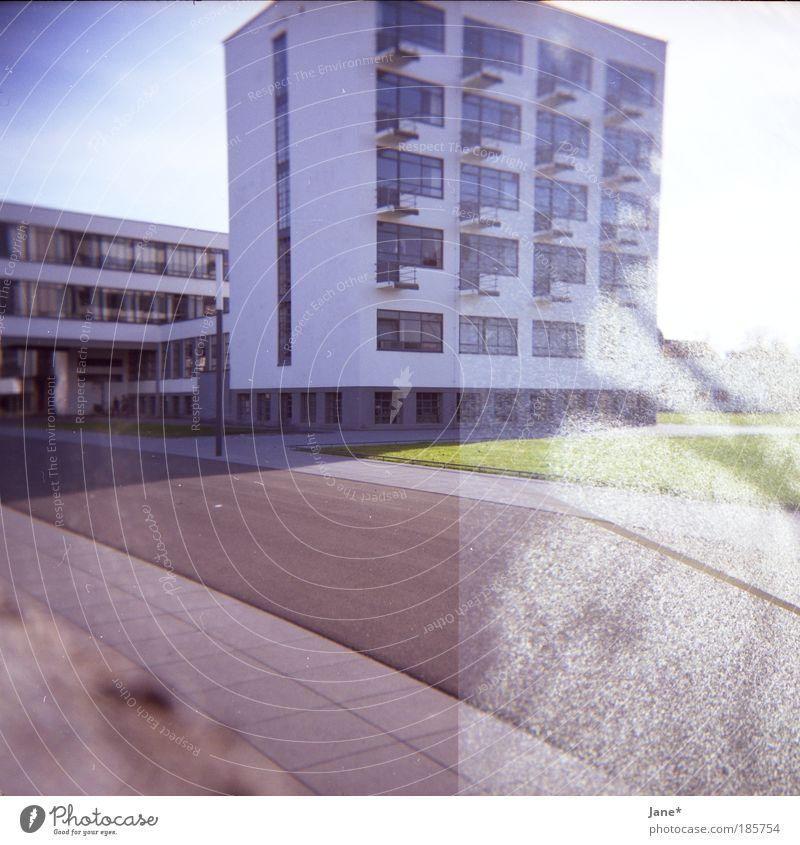 hausbau Dessau Deutschland Fischerdorf Kleinstadt Bauwerk Gebäude Architektur Stimmung träumen Farbfoto Außenaufnahme Experiment Lomografie Menschenleer Tag