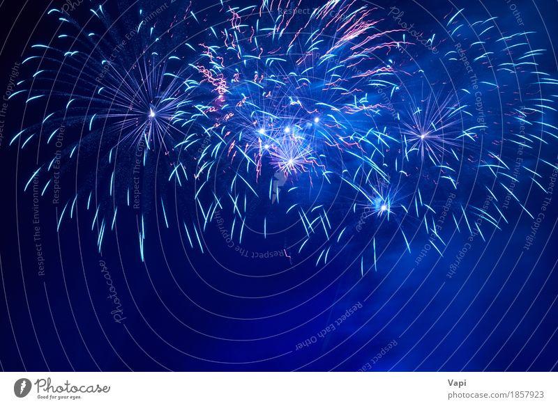 Blaues buntes Feuerwerk Freude Freiheit Nachtleben Entertainment Party Veranstaltung Feste & Feiern Weihnachten & Advent Silvester u. Neujahr Kunst Show Himmel