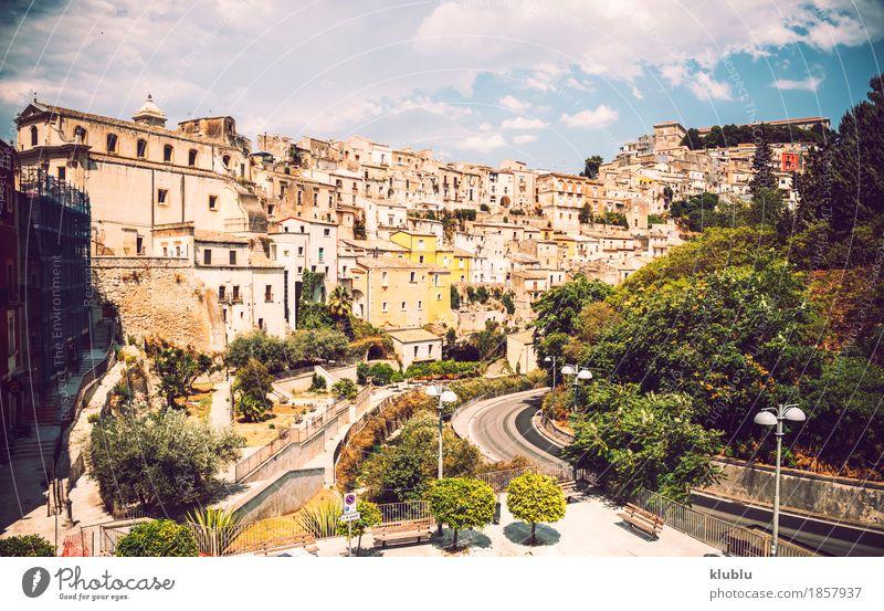 Ansicht von Ragusa, Sizilien, Italien Haus Kunst Kultur Dorf Stadt Gebäude Architektur Straße alt historisch Religion & Glaube Kathedrale Großstadt Europa