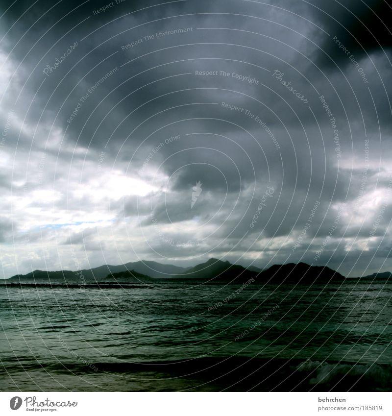 ich verschwinde erstmal... Himmel Strand Ferien & Urlaub & Reisen Meer Wolken Ferne Freiheit Küste Regen Wellen Angst Kraft Ausflug Insel gefährlich Hoffnung