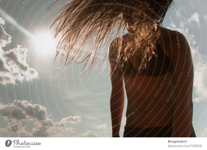trocknen Jugendliche Sonne Sommer Strand Ferien & Urlaub & Reisen Meer Ferne Leben feminin Freiheit Haare & Frisuren Frau Körper Haut Ausflug Tourismus