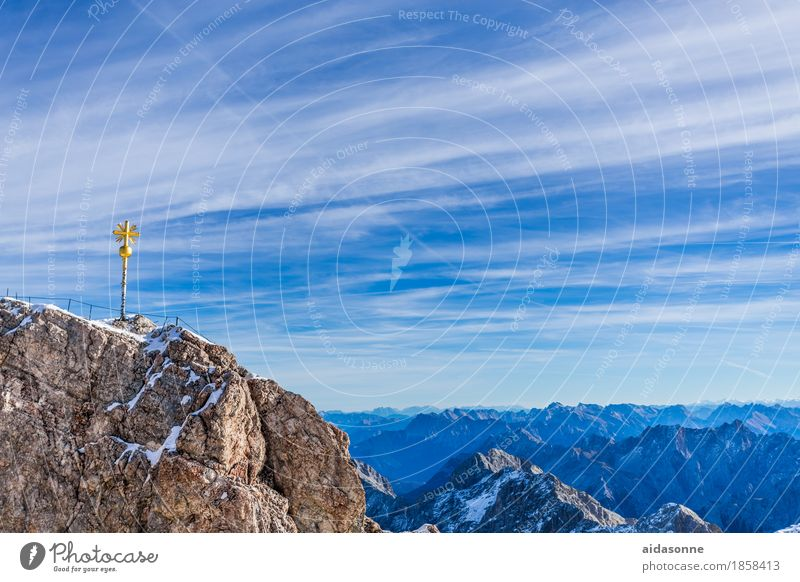 zugspitze Himmel Natur Landschaft Einsamkeit ruhig Freude Berge u. Gebirge Zufriedenheit Schönes Wetter Gipfel Schneebedeckte Gipfel Alpen Gelassenheit
