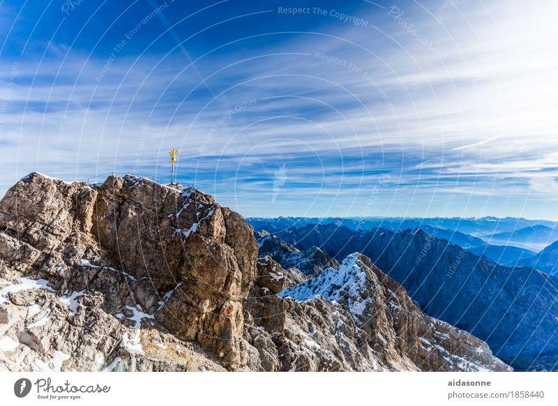 Zugspitze Landschaft Berge u. Gebirge Felsen Zufriedenheit Kraft Fröhlichkeit Lebensfreude Schönes Wetter Gipfel Alpen Begeisterung Ehre