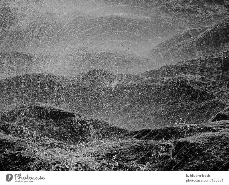 Felsenmeer Natur Wasser Meer dunkel Berge u. Gebirge grau träumen Stein Stimmung Wellen Wassertropfen Energie Erde bedrohlich Sturm