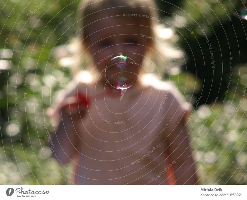Seifenblasen Seifenblasen Banki mydlane Freiheit Sommer Mensch Kind Mädchen Kindheit Gesicht 1 3-8 Jahre Spielzeug Wasser beobachten entdecken genießen träumen