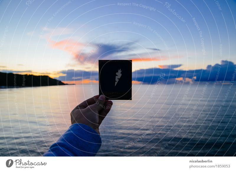 Ein Foto vom Meer Freude Freizeit & Hobby Ferien & Urlaub & Reisen Ausflug Abenteuer Ferne Freiheit Kreuzfahrt Sommer Sommerurlaub Strand Mensch Hand 1