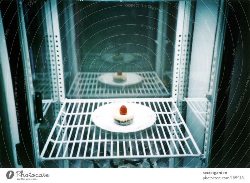 HAPPY BIRTHDAY PHOTOCASE! blau weiß rot klein Feste & Feiern Lebensmittel Lomografie Ernährung süß Coolness Romantik einzigartig Süßwaren Kuchen trendy Freude