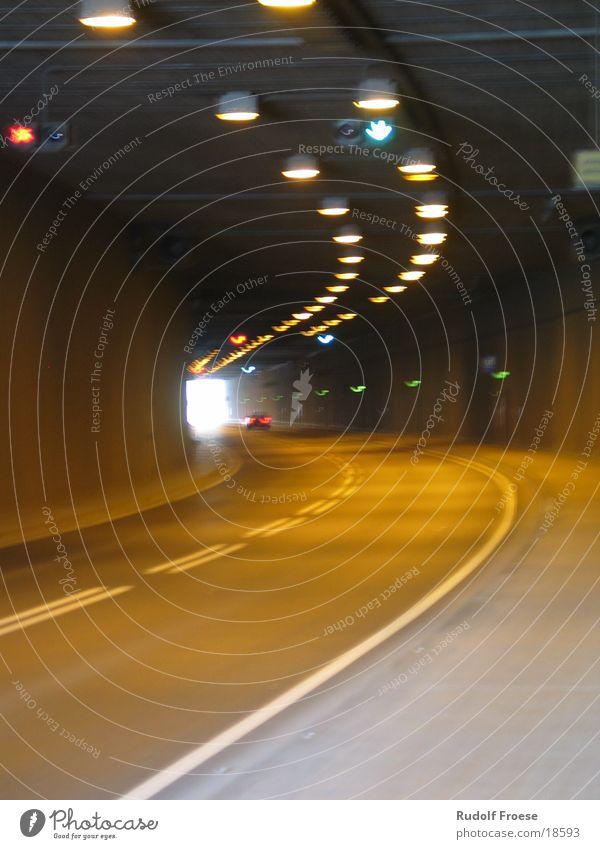 Tunnel in Frankfurt Frankfurt am Main Licht Brücke Tunnelende