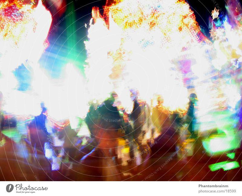 Buntes Karusselllicht Langzeitbelichtung mehrfarbig Freizeit & Hobby Jahrmarkt leuchten Unschärfe