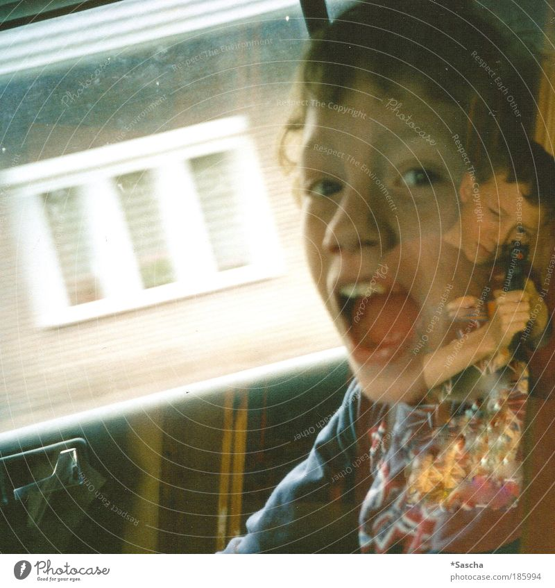 Happy birthday, photocase! Mensch Spielen Junge Kindheit maskulin Todesangst schreien Geschwister Freizeit & Hobby