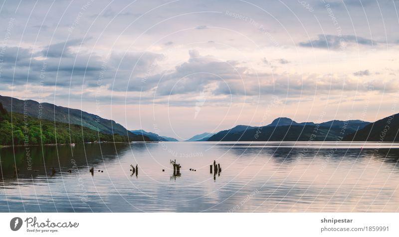 Nessy? Himmel Natur Ferien & Urlaub & Reisen Landschaft Erholung ruhig Ferne Strand Umwelt Freiheit Schwimmen & Baden See Tourismus Ausflug wandern