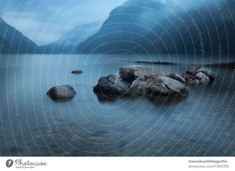 Stille Ausflug Winter Winterurlaub Berge u. Gebirge wandern Natur Landschaft Wasser Wolken Herbst schlechtes Wetter Nebel Felsen Alpen Küste Seeufer Königssee