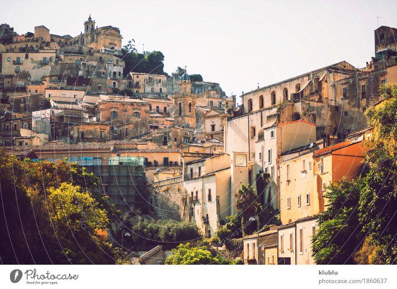 Ansicht von Ragusa, Sizilien, Italien Haus Kunst Kultur Dorf Stadt Kirche Gebäude Architektur Fassade alt historisch Religion & Glaube Großstadt Europa Aussicht