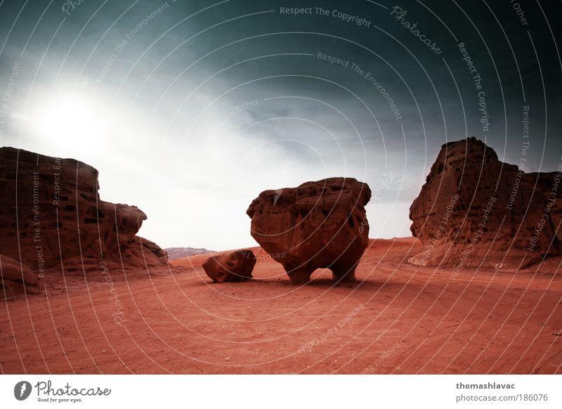 Himmel Natur rot Ferien & Urlaub & Reisen Wolken Umwelt Landschaft Sand Felsen Wüste Hügel bizarr Sehenswürdigkeit Sandstein Erosion Marslandschaft