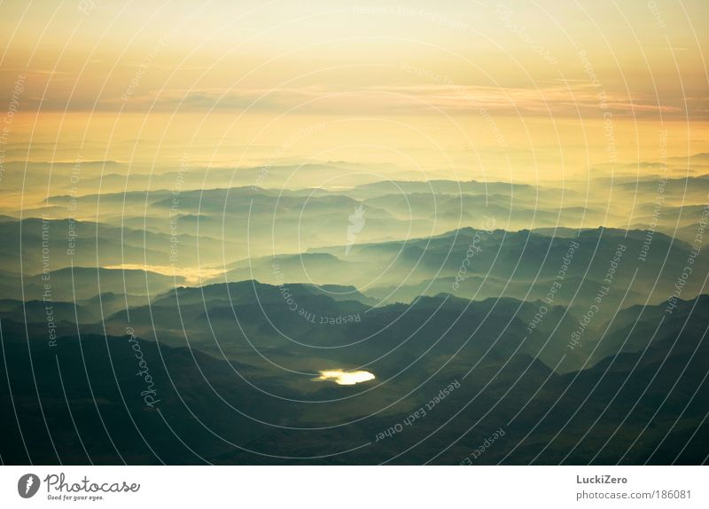 Wonderful Earth Sonnenaufgang Himmel Natur grün blau ruhig Ferne gelb Erholung Freiheit Berge u. Gebirge Sonnenuntergang Landschaft Luft See Erde