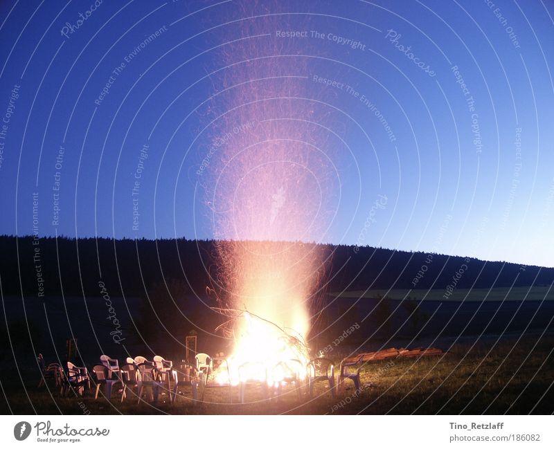 Lagerfeuer Natur Himmel blau Sommer ruhig Einsamkeit Wald Wiese Landschaft Feuer Nachthimmel Hügel Schönes Wetter