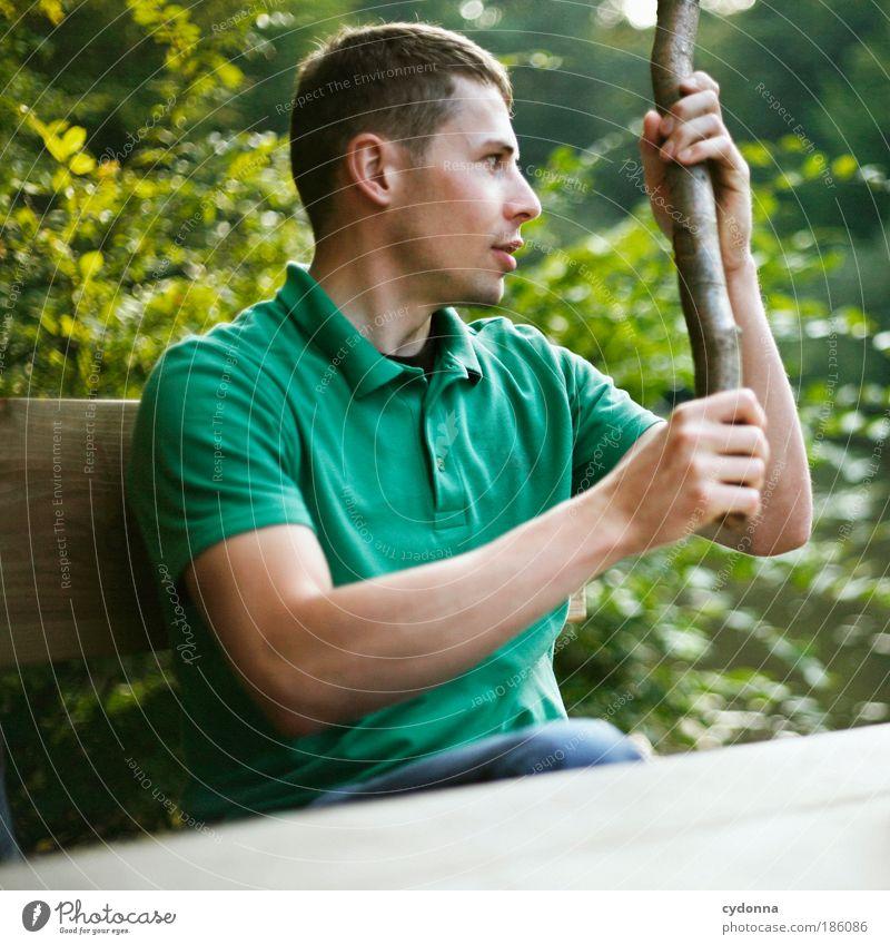 Frei sein Mensch Mann Natur Jugendliche schön Wald Leben Freiheit Gefühle Umwelt Bewegung Glück träumen Erwachsene Gesundheit