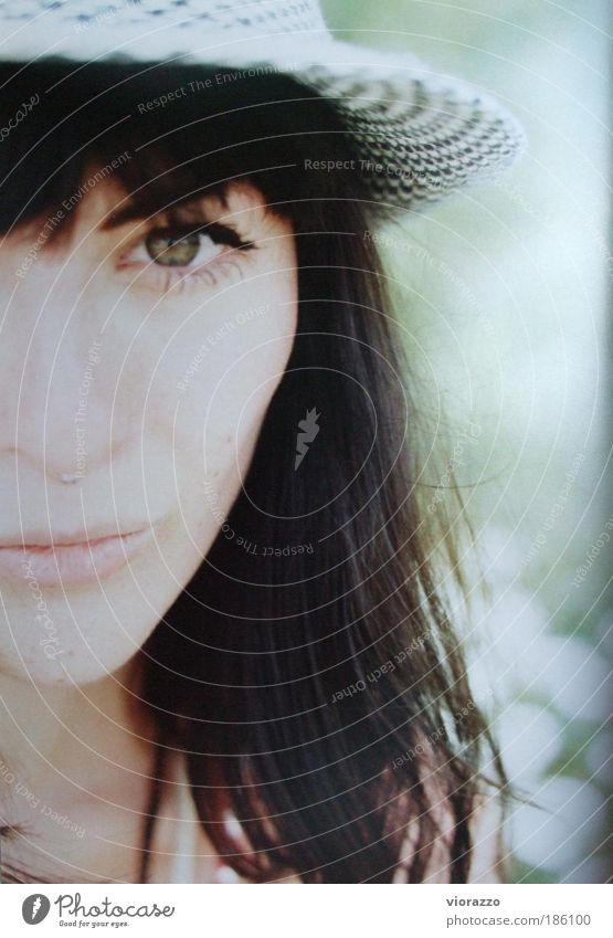 prédilection. feminin Haare & Frisuren Gesicht Auge Pflanze Sommer Meer Piercing Hut brünett Denken glänzend genießen träumen schön weich Gefühle Leidenschaft
