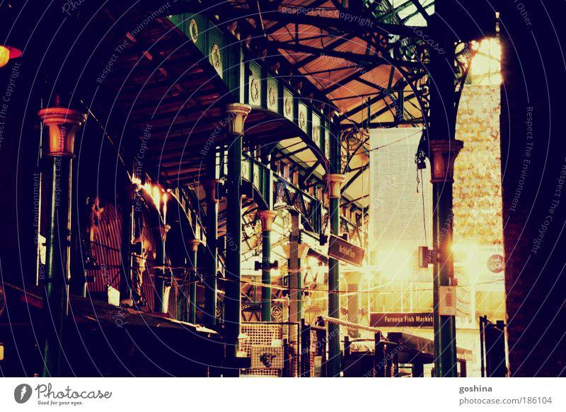 Charmed Borough Market Ferien & Urlaub & Reisen Ausflug Sightseeing Städtereise Stadt Hauptstadt Altstadt Marktplatz Dach Säule Sehenswürdigkeit Duft entdecken