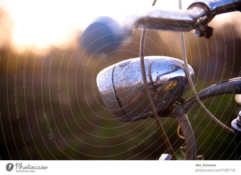 spieglein spieglein... Natur alt blau grün gelb Freiheit Lampe Fahrrad Freizeit & Hobby glänzend Ausflug Verkehr Coolness Schönes Wetter dünn historisch