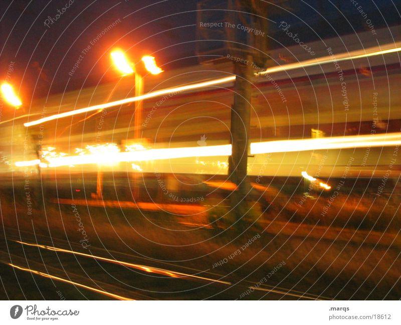 Reisende soll man nicht aufhalten Linie Verkehr Geschwindigkeit Bahnhof