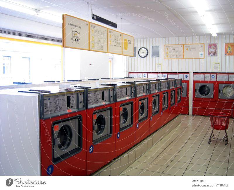 Waschsalon_1 Wäsche Wohnzimmer Industrie orange Wäsche waschen Waschtag