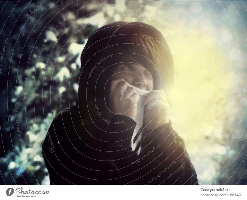 Daylight is coming Mensch Jugendliche blau schön Ferne Gesicht kalt Gefühle Schnee Haare & Frisuren maskulin träumen leuchten Klima einzigartig Hoffnung
