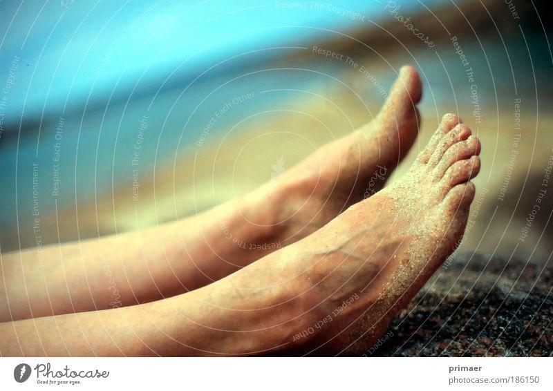 Füße schön Pediküre Ferien & Urlaub & Reisen Ferne Freiheit Sommer Sommerurlaub Sonne Sonnenbad Strand Meer Beine Fuß Natur Küste liegen Fröhlichkeit frisch