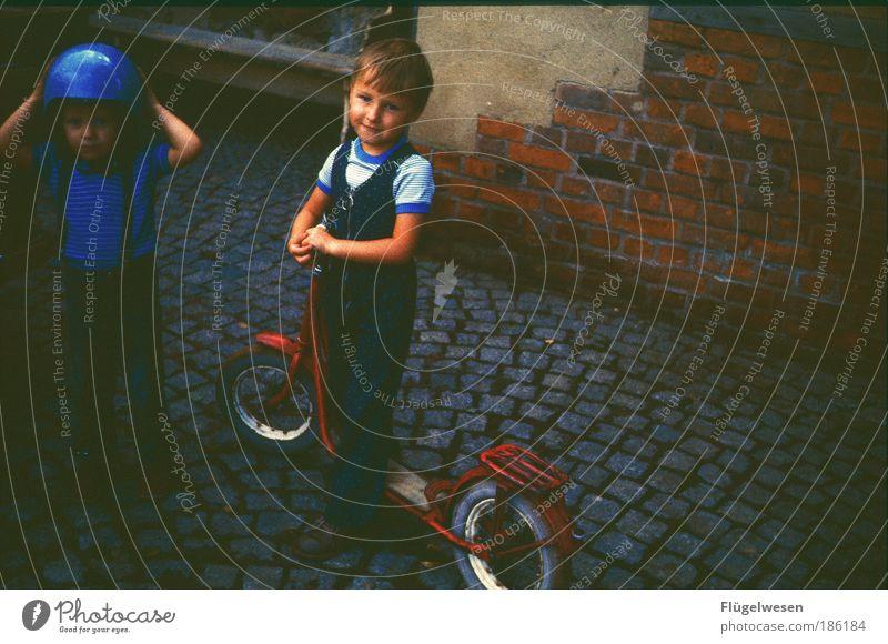 Ralf und Michael Schuhmacher '77 Mensch Spielen Junge Kindheit blond Freizeit & Hobby Geschwindigkeit fahren Rasen Autorennen Motorrad Rennbahn Kindererziehung