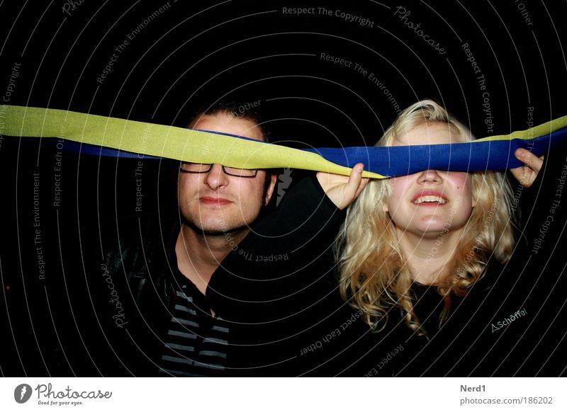 FDP Parteitag Party blond Fröhlichkeit Lächeln langhaarig Nachtleben Junge Frau Ausgelassenheit Girlande Spaßvogel Junger Mann Partystimmung Vor dunklem Hintergrund Partygast