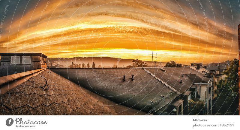 über den dächern Landschaft Himmel Wolken Schönes Wetter Stadt Stadtzentrum bevölkert Haus Dach Schornstein Antenne hell Dresden HDR Panorama (Bildformat)