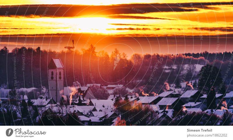 Winterdorf Weihnachten & Advent Stadt Sonne Baum Wolken Haus Wärme Religion & Glaube Feste & Feiern Stimmung Zusammensein Wohnung Häusliches Leben leuchten