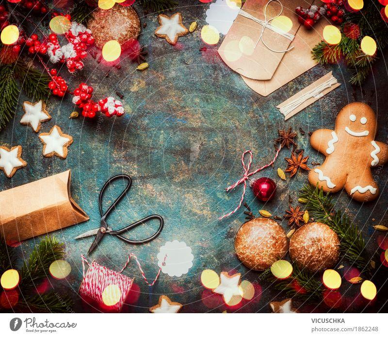 Weihnachtsgeschenke verpacken Weihnachten & Advent Freude Stil Feste & Feiern Stimmung Design Häusliches Leben Ernährung retro Tisch Süßwaren Tradition