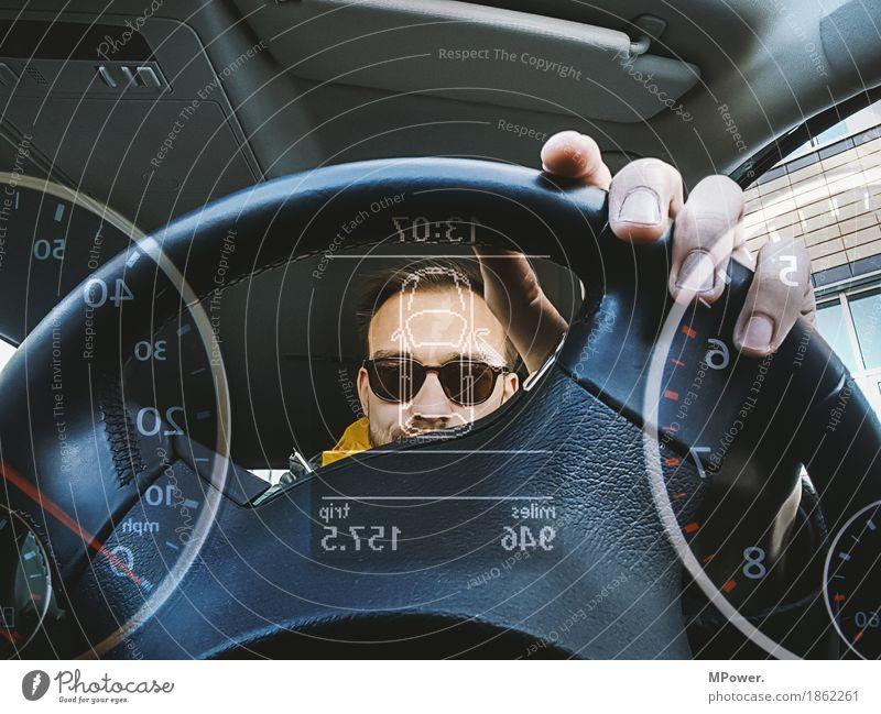 driver Bildschirm Messinstrument Uhr Technik & Technologie Mensch Junger Mann Jugendliche 1 18-30 Jahre Erwachsene Coolness PKW Autofahren Tachometer Lenkrad