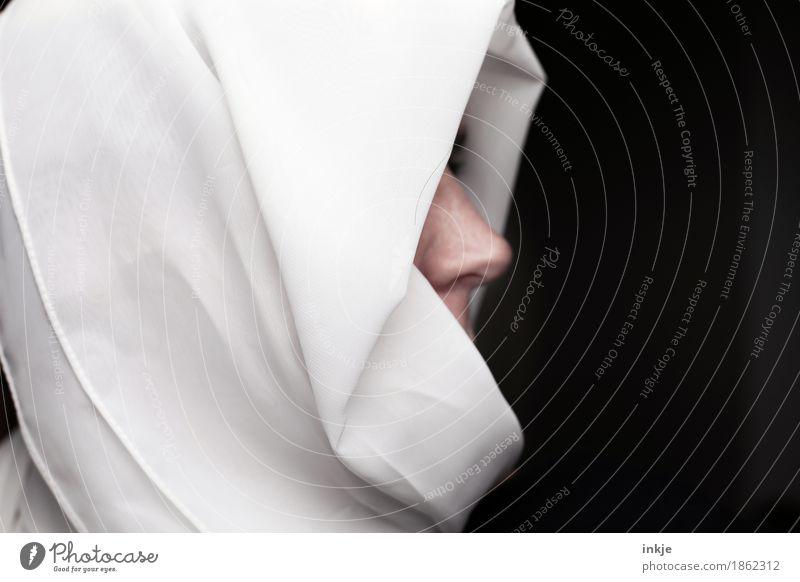 Gelübde der Weißheit Lifestyle Stil Nonne Frau Erwachsene Leben Gesicht Nase 1 Mensch Schal Kopftuch Schleier schwarz weiß Glaube demütig Identität