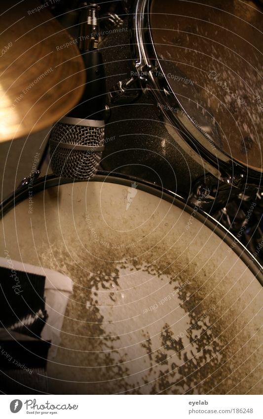 Bumm Batsch Freizeit & Hobby Spielen Entertainment Musik Technik & Technologie Unterhaltungselektronik Aggression dreckig kaputt laut Schlagzeug Trommel