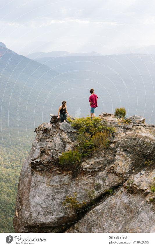 Mit Freunden reisen Lifestyle Freude Ferien & Urlaub & Reisen Abenteuer Ferne Freiheit Expedition Camping Berge u. Gebirge wandern Mensch Freundschaft Natur