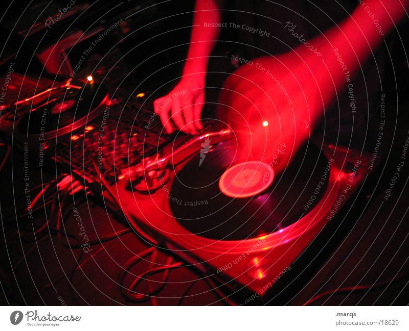 Scratch rot Freude Bewegung Party Musik Feste & Feiern Tanzen liegen Fröhlichkeit Tanzveranstaltung Coolness Kabel Disco Club Leidenschaft Veranstaltung