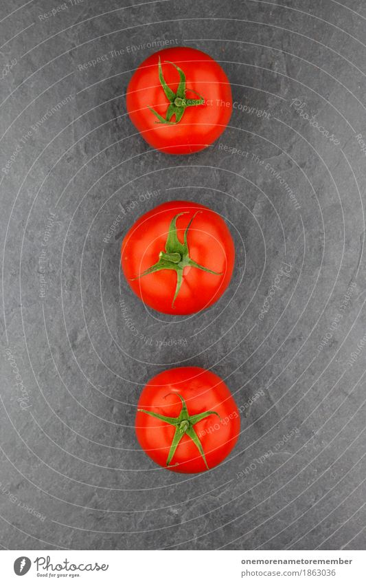 3 Tomaten Kunst Kunstwerk ästhetisch Tomatensalat Tomatensaft Tomatensuppe Schiefer Küche Foodfotografie rot grün Kreativität gestalten Farbfoto mehrfarbig