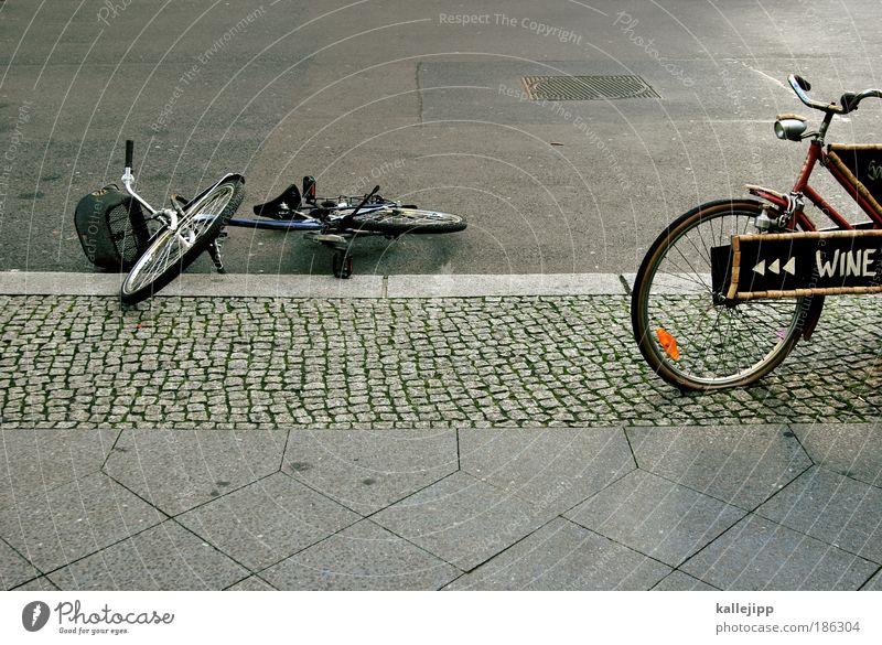 promillegrenze Straße Freizeit & Hobby Verkehr Fahrrad Schilder & Markierungen bedrohlich Pfeil Werbung Alkohol Alkoholisiert Unfall Verkehrsmittel Absturz