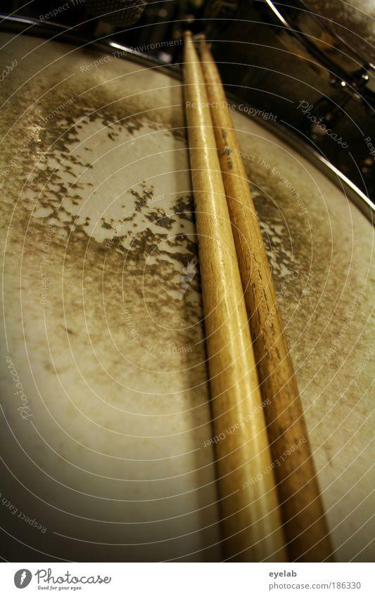 Drummers Drama alt Spielen Musik Freizeit & Hobby dreckig kaputt Technik & Technologie Fell Club Rockmusik Mikrofon Aggression Künstler Musikinstrument laut Musiker