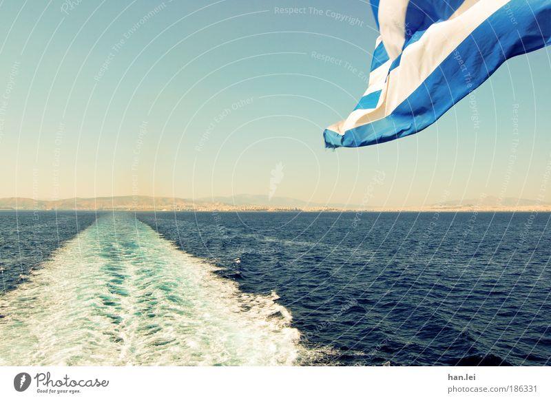Ab in den Süden blau Wasser Ferien & Urlaub & Reisen Sommer Meer Erholung Ferne Wasserfahrzeug Wellen Wind Schönes Wetter Fahne Schifffahrt Sommerurlaub