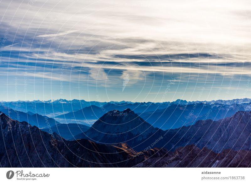 Ausblick Zugspitze Landschaft Himmel Alpen Berge u. Gebirge Zufriedenheit Ehre Kraft achtsam Verlässlichkeit Pünktlichkeit gewissenhaft Vorsicht Gelassenheit